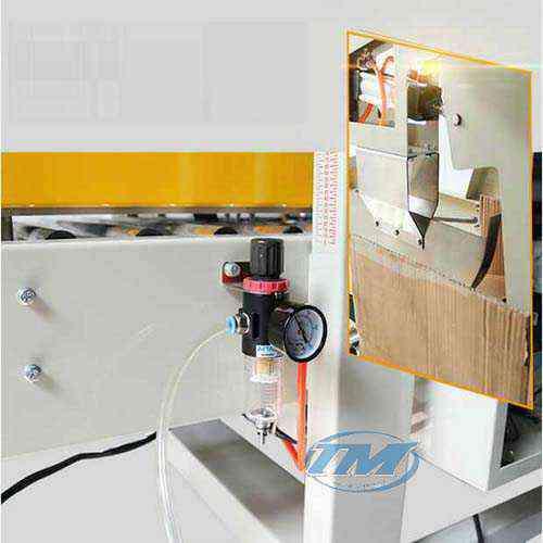 máy dán băng dính thùng caton tự động