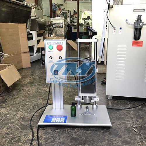 Máy xoáy nắp chai tròn bán tự động (TMDC-DA10)
