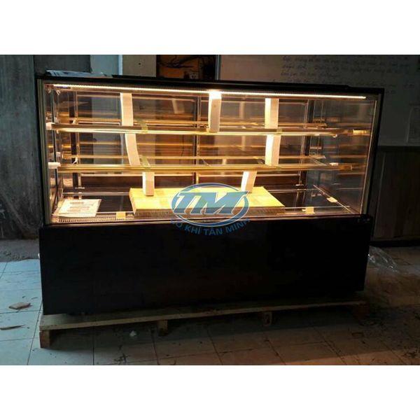 Tủ trưng bày bánh kem kính phẳng 3 tầng 1.8m (TMTQ-A16)